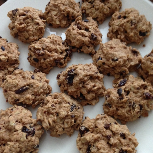 balanced oatmeal raisin cookies
